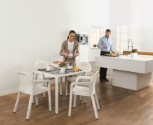 Set záhradného nábytku Lechuza malý (4 x stolička + stôl) biela